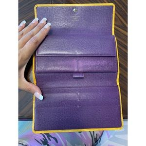 Louis Vuitton Epi Leather Wallet Very good cond
